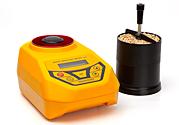 DRAMINSKI GMMpro humidimètre à grain, le dispositif effectue une mesure précise de l'humidité des grains avec la méthode capacitive gravimétrique